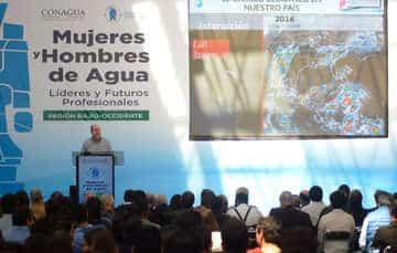 Director General de CONAGUA imparte en Zapopan conferencia magistral para Fortalecer la Política Hídrica en México