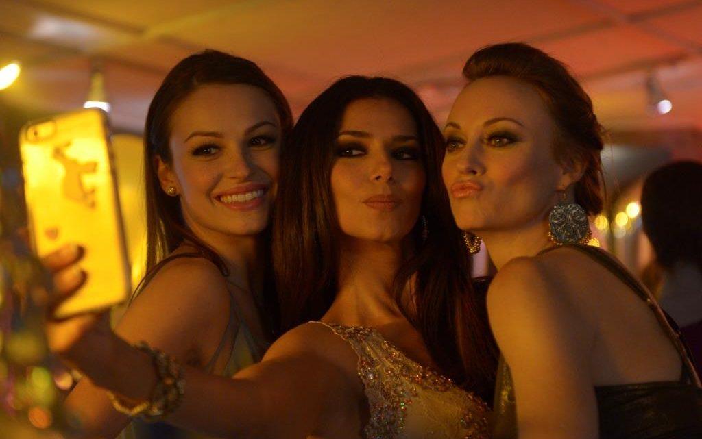 Celebra Lifetime a la mujer con programación exclusiva