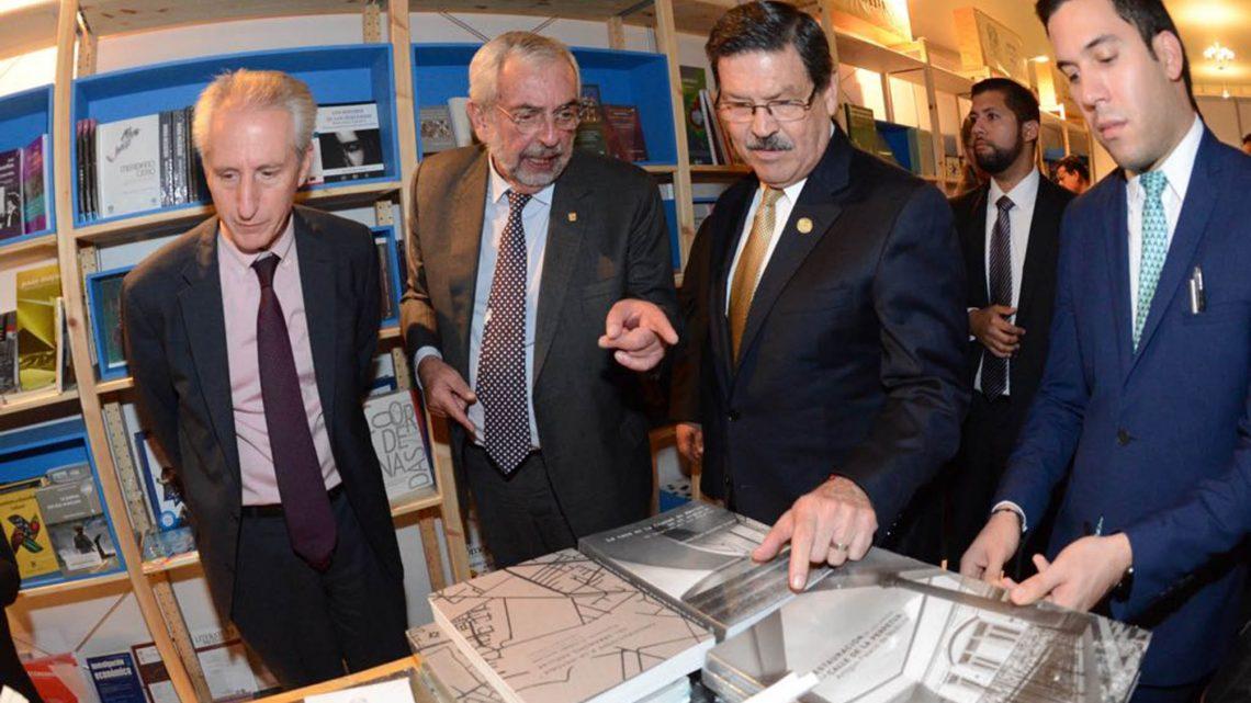 UNAM recibe reconocimiento