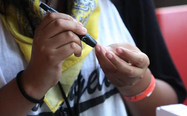 Invierte IMSS en educar a jóvenes con diabetes, para preservar su calidad de vida