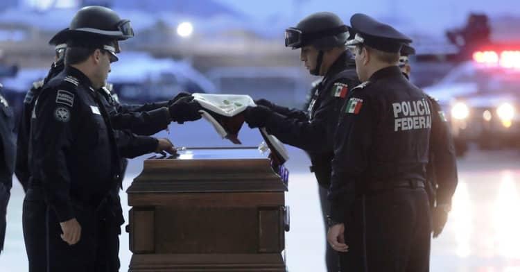 Rinde Policía Federal homenaje póstumo a compañero caído en Guerrero.