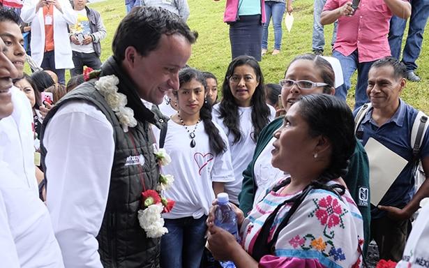 Especialistas del IMSS revisan la salud visual de 575 indígenas y operan de cataratas a 115 en 3 días
