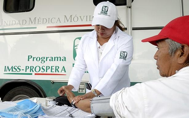 Más de 77,000 consultas médicas dio IMSS-PROSPERA en 4 entidades afectadas por los sismos
