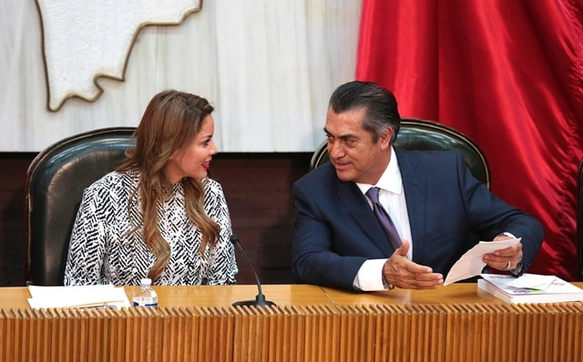"Entrega Gobernador de NL Jaime Rodríguez ""El Bronco"" al Congreso Segundo Informe de Gobierno"