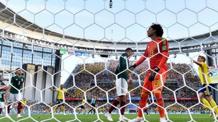 Mexico califica tras ser goleado por Suecia 3-0