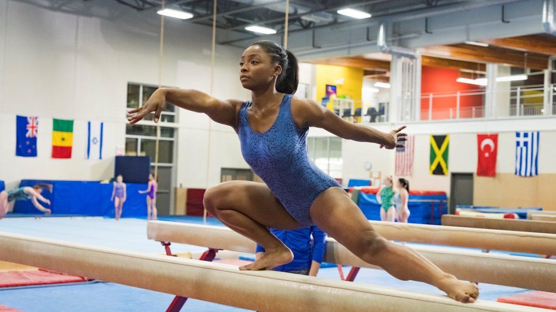 Presenta Lifetime Movies la motivadora historia de una atleta fuera de serie Simone Biles: Coraje Para Triunfar