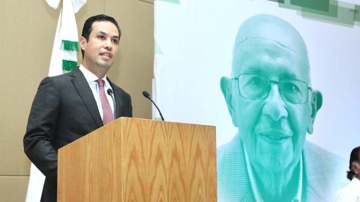 Rinde IMSS homenaje a Doctor Guillermo Fajardo Ortiz colocando su nombre al Hospital de Villa Coapa