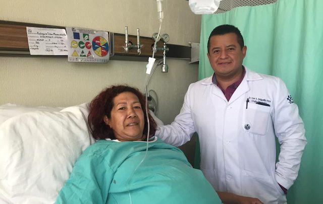 Extirpan tumor abdominal de 17 kilos a mujer en hospital del IMSS en Durango