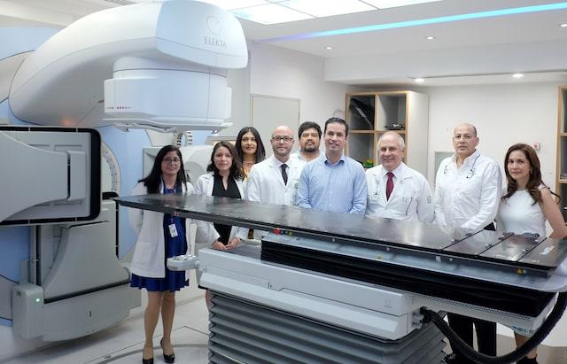 Pone IMSS en marcha equipo médico por 1,688 millones de pesos en 19 estados del país