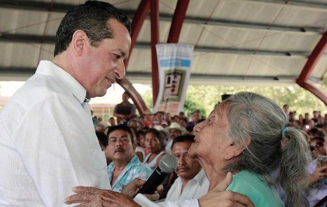 En Chetumal, 319 mujeres recibieron créditos por 1.5 millones de pesos para sus propios negocios