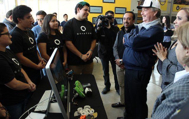 Sostiene Gobernador Kiko Vega encuentro con alumnas y alumnos de CETYS universidad