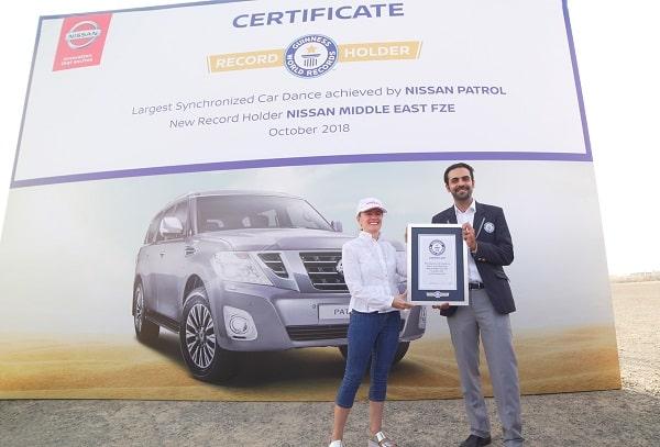 Rompe Nissan Armada Récord Mundial Guinness por baile sincronizado más grande de vehículos