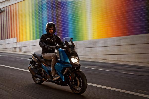 BMW Motorrad celebra fiestas decembrinas con llegada a México del nuevo BMW C 400 X