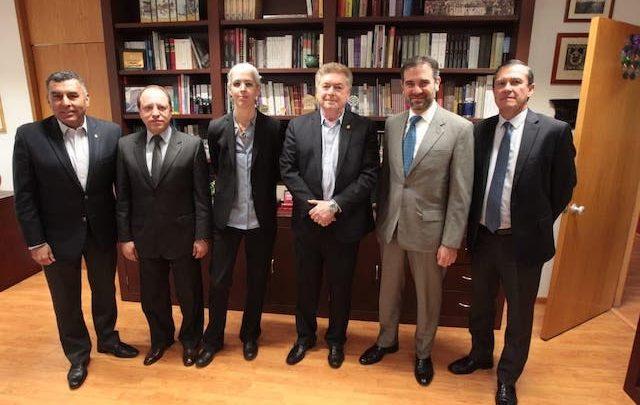 Dialogan Gobernador Francisco Vega y Consejeros del INE sobre próxima elección en Baja California