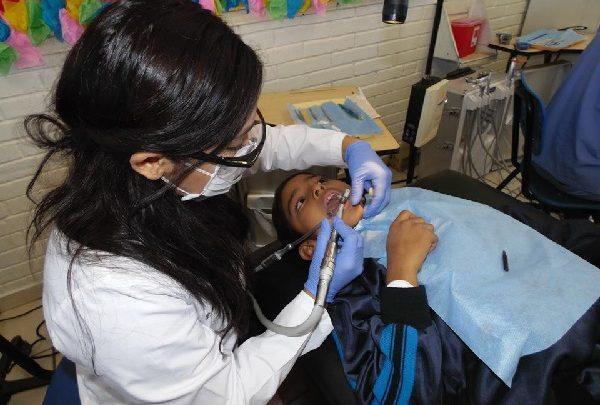 Recomienda gobierno de Baja California cuidados de salud bucal