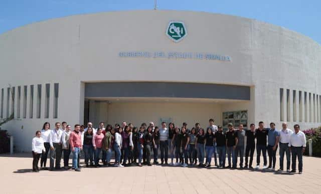 Alumnos de la UAdeO visitan C4i; conocen el funcionamiento del 9-1-1