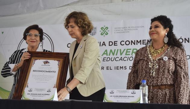 Celebran Clara Brugada y Rosaura Ruiz XIX aniversario del IEMS, instituto surgido de la lucha por la educación en Iztapalapa