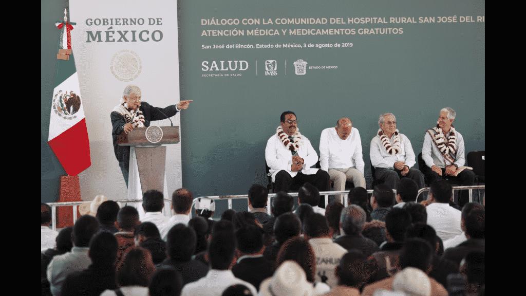 AMLO busca a médicos jubilados para vacantes en el IMSS