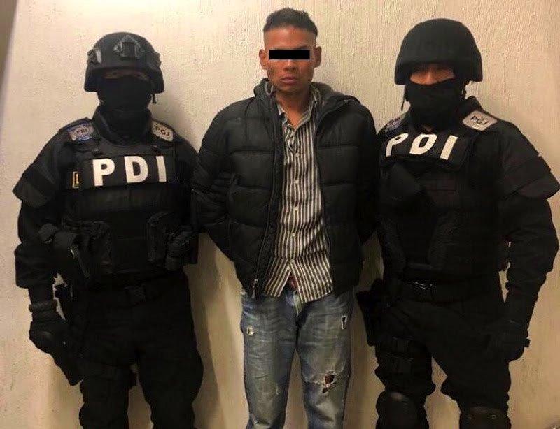 """Detienen a """"El Chupas"""", sujeto que agredió a reportero durante marcha de mujeres"""
