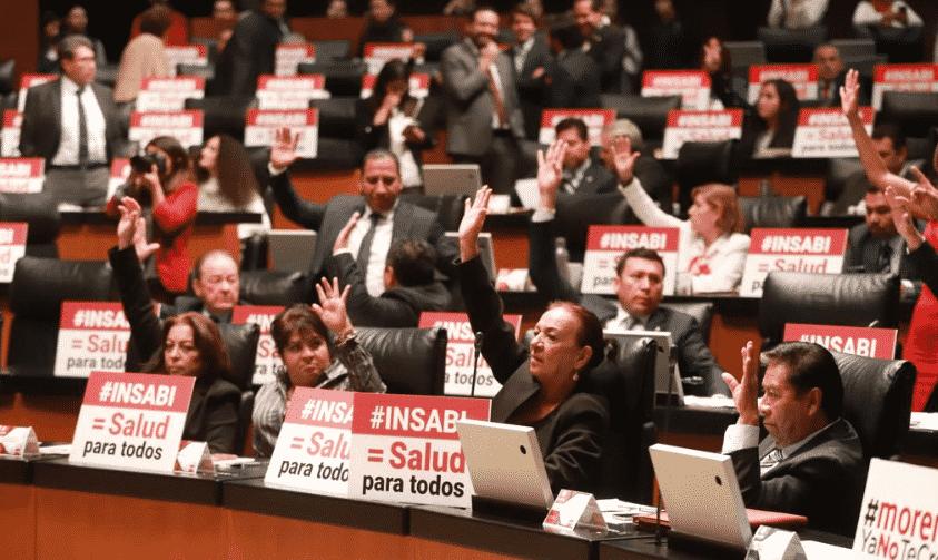 Senado aprueba desaparición del Seguro Popular