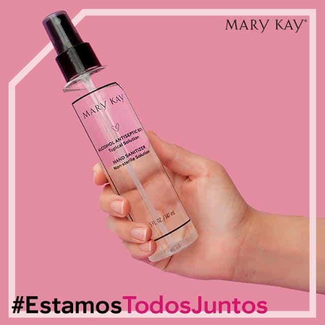 Mary Kay produce y dona desinfectantes de manos para combatir al COVID-19
