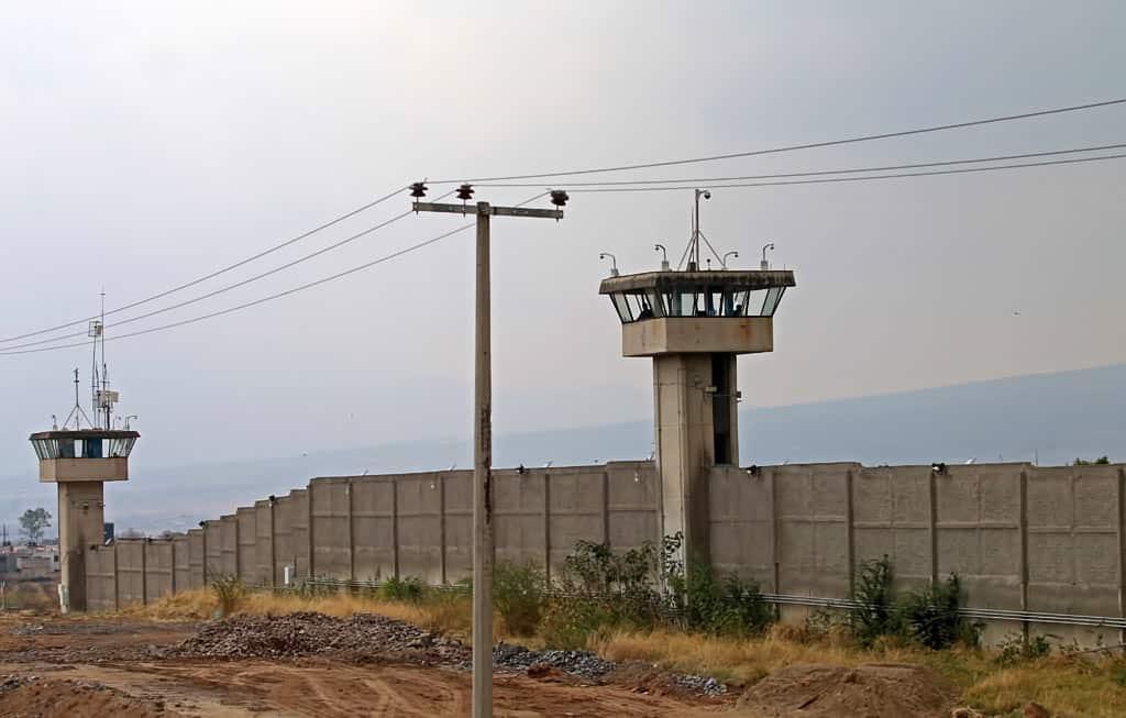 Matan a ocho personas dentro del penal de Puente Grande