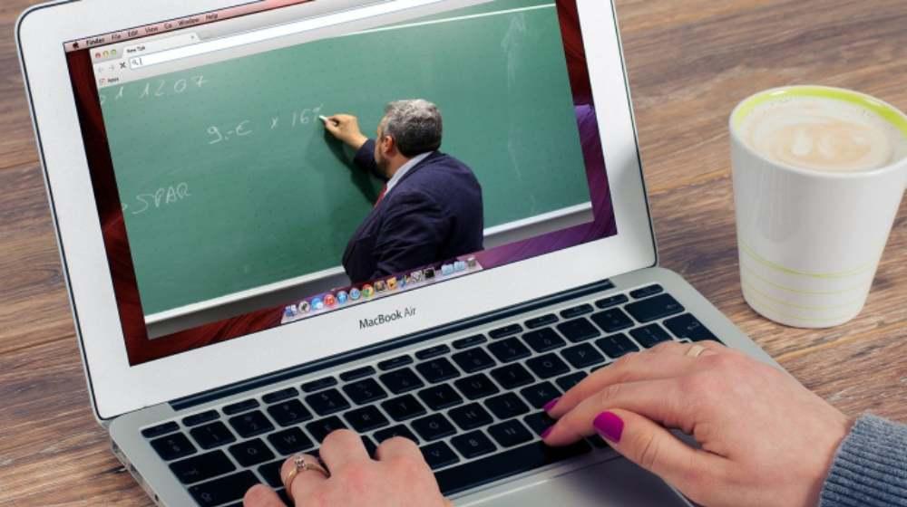Facebook y SEP capacitará a maestros en uso de tecnología para dar clases